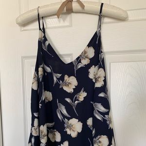 Tops - Blue flower tank top